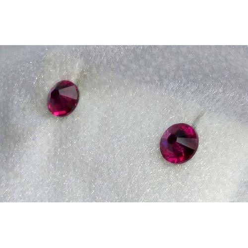 Серьги-гвоздики с розовыми камнями3